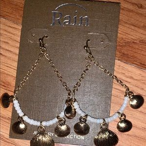 Rain gold shell beads dangle earrings new